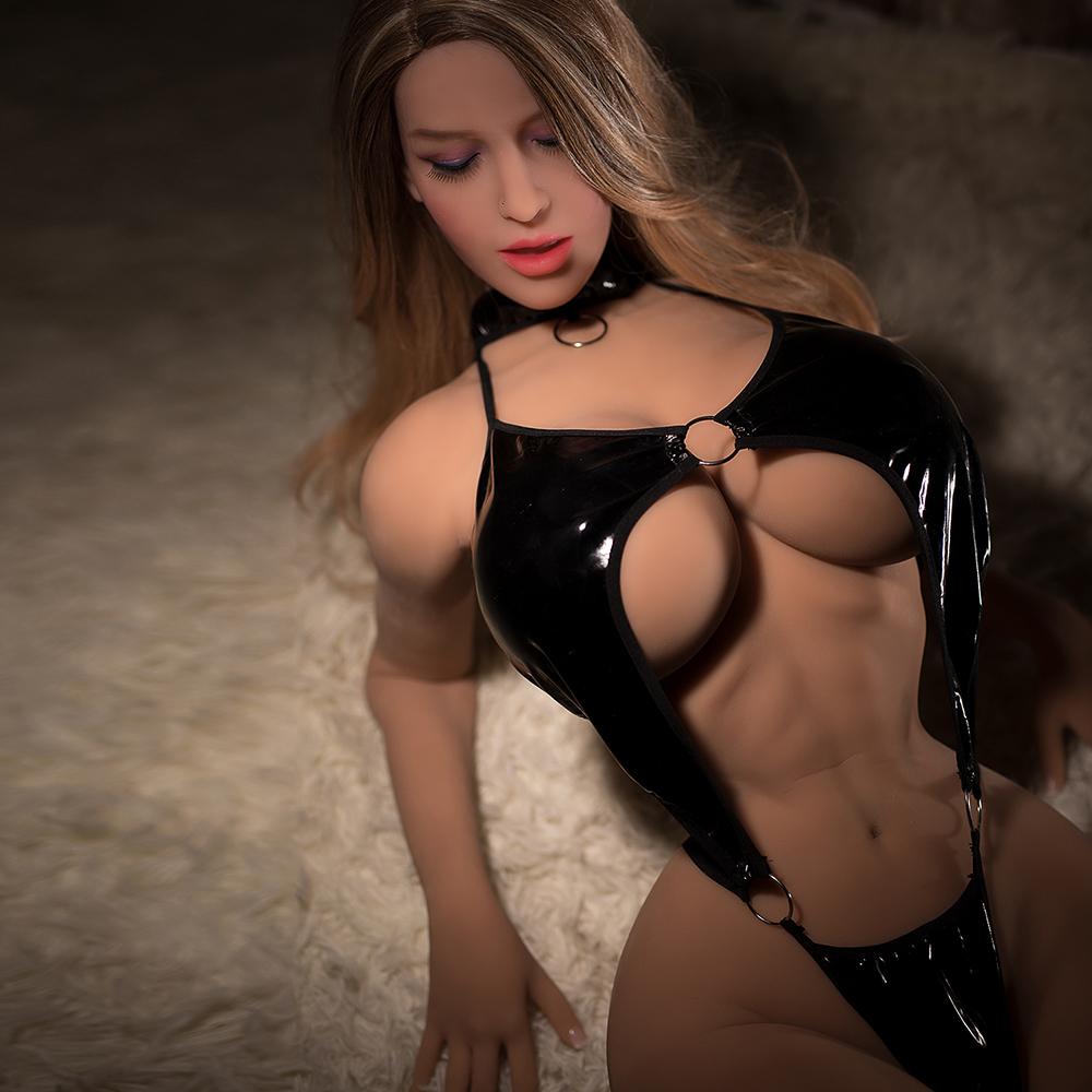 Melina8